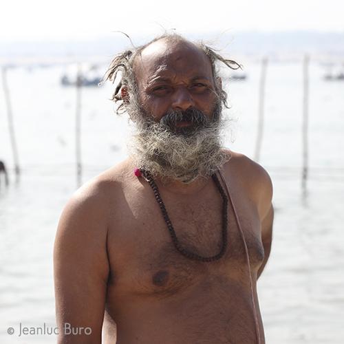 After holly bath in Ganga N°01